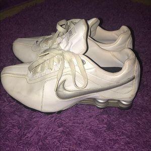White Nike Shox